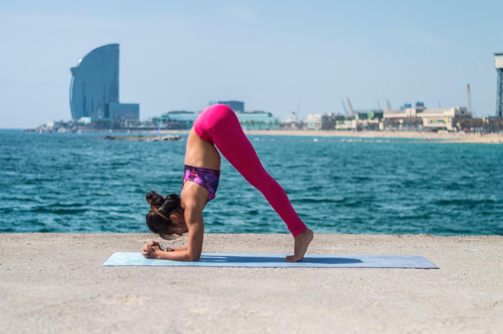 50 Yoga Poses for Strong Arms   Blog Shambhala Barcelona